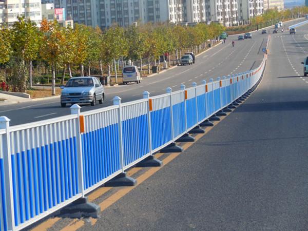 道路护栏施工案例