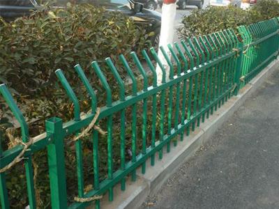 石家庄草坪锌钢护栏
